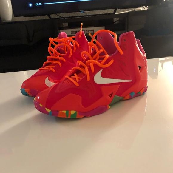 """promo code 33af4 9ed03 Nike Lebron XI (GS) """"Fruity Pebbles"""" 2014. M 5c490d073c984441b1f3e5ad"""